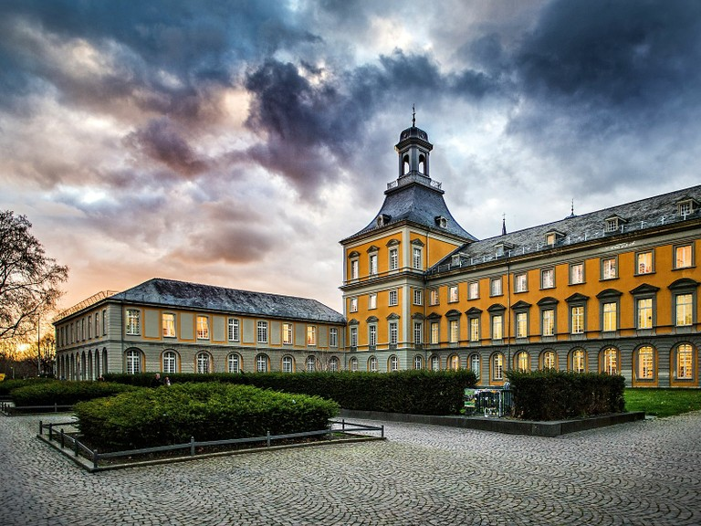 Right click to download: Schloss